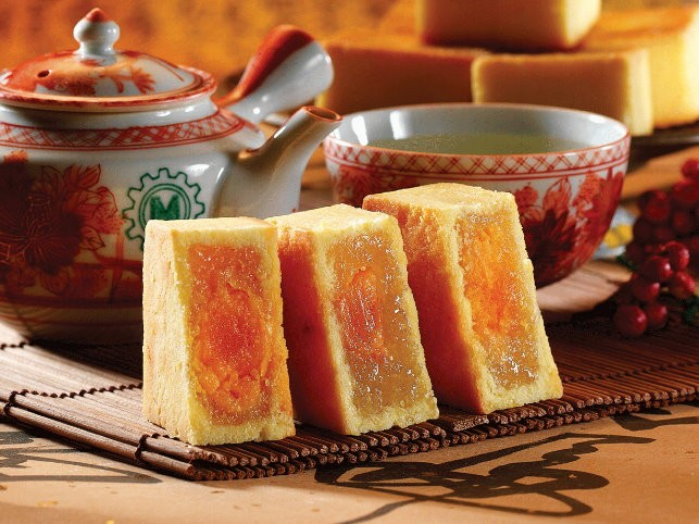 Pineapple mini-cake