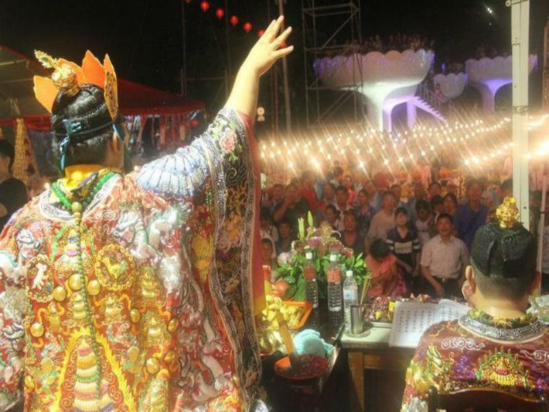 鶏籠中元祭