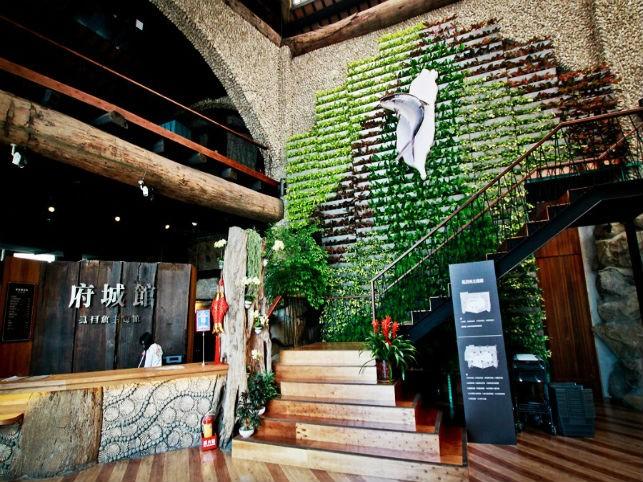 台南奇美博物館、四草緑のトンネル、水晶教会一泊二日