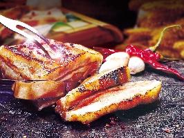 黑豬肉石板烤肉