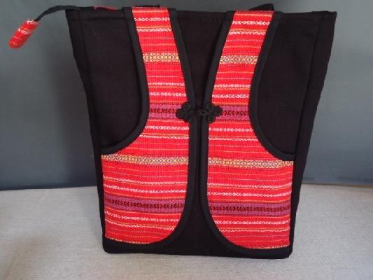 泰雅背心側背包 封面圖片