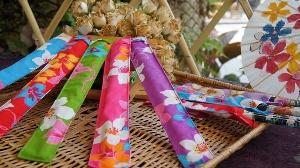 箸符愉筷(牡丹竹筷與油桐花筷套)