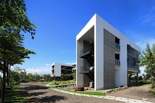 以鑽石及綠建築規格打造之餐廳,可容納300席 店家封面