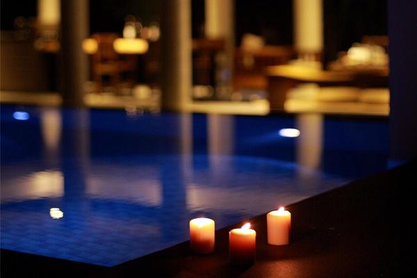 蜜月villa池畔浪漫燭光點綴寧靜悠遠的夜晚 店家其他1