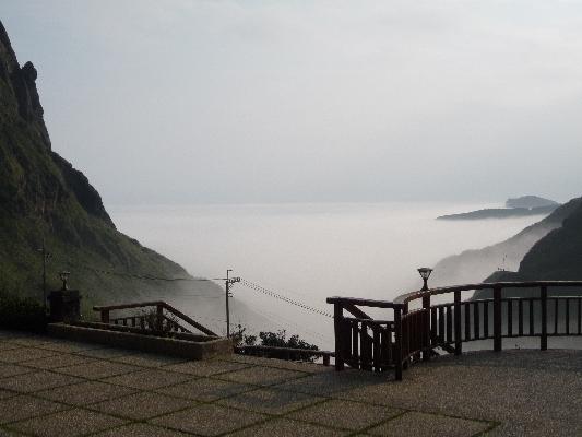 在房間內就可欣賞美麗的雲海澎湃於山海之間。 其他圖片3