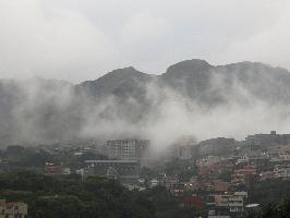 在房間內就可欣賞優美的山嵐、雲霧飄緲升騰縈繞於翠綠的層層山巒中。 其他圖片3