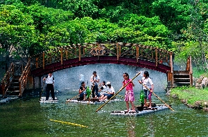 台灣島戲水區