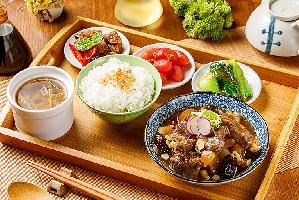 稻舍台式客飯